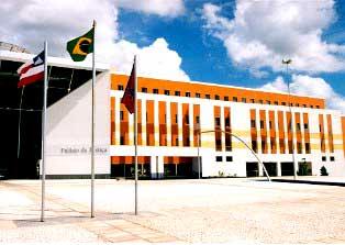 Prédio do TJ da Bahia, apelidado de Sukitão