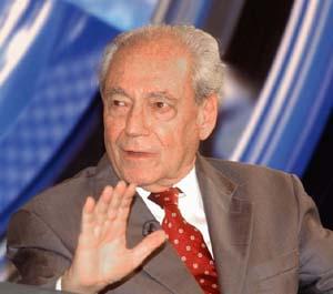 O Dr. Waldir, diplomaticamente, fecha qualquer espaço ao autoritarismo