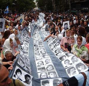 Mães de desaparecidos pela ditadura argentina se reúnem há mais de 30 anos