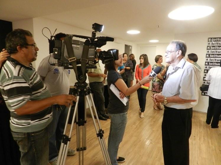 Lauthenay sendo entrevistado pela TV Gazeta de Alagoas