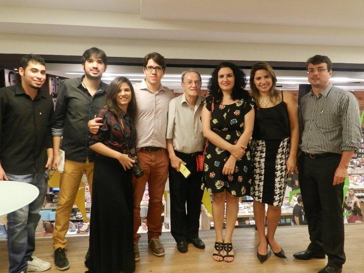 Lauthenay, com os seus familiares, durante o lançamento da 3ª edição do livro