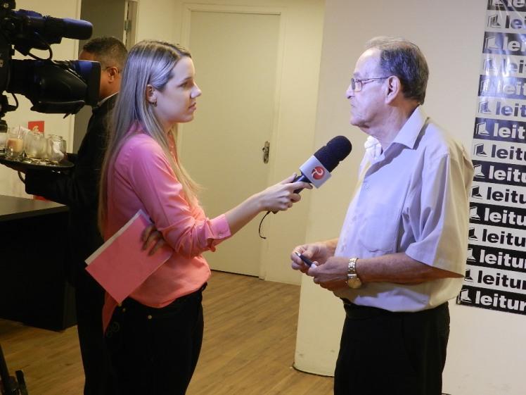 Lançamento do livro de Lauthenay na TV Gazeta - em 2014 (6)
