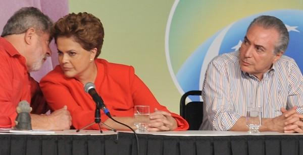 Lula fala, Dilma ouve e Temer fica atento - foto www.agorams.com.br