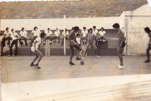 """""""Baba"""" na quadra do Batista, em agosto de 1974"""